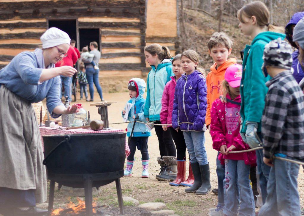 Mount Vernon travel with kids family blog dad blog mom blog worldschooling homeschooling history Virginia 2018 exploring with kids early learning George Washington Washington DC United States