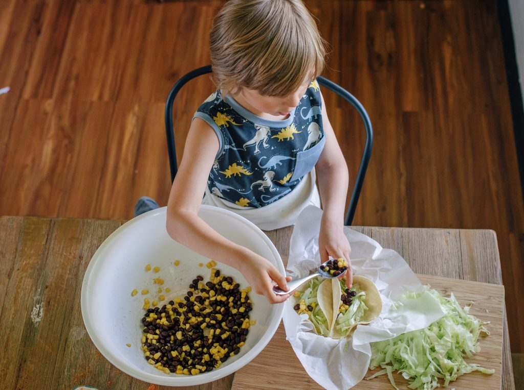 tofu tacos taco Tuesday mom blogger mommy blogger super foods healthy mom blog wellness healthy family family blog tales of tofu Virginia traveling family early learning cooking with kids
