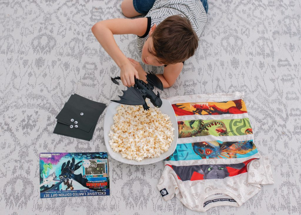 family movie night Universal studios how to train your dragon walmart family blog dad blog healthy family summer reading early learning traveling family homeschool world school family fun