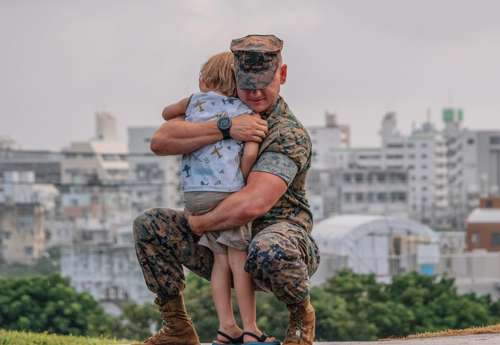 military homecoming military family mommy blog 2020 mommy blogger traveling family homeschool family healthy mom blog veterans day